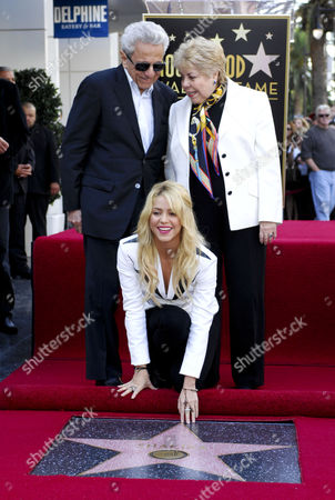 Stock Picture of Shakira with Nidia Ripoll Torrado and Don William Mebarak Chadid