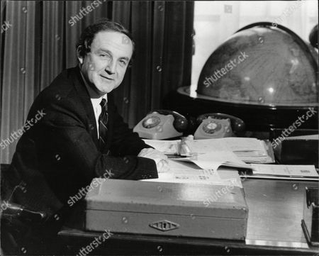 News Secretary Of State For Defence George Younger (viscount Younger Of Leckie)