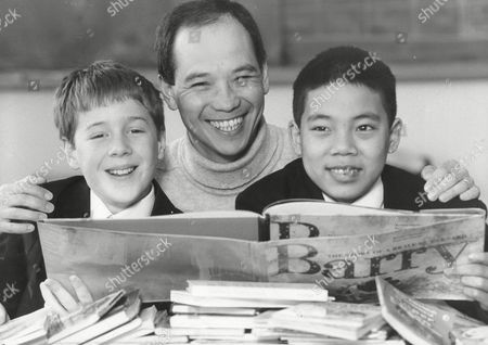 Actor David Yip With School Children Stephen Brown And Trong Dang-vinnat Holloway School For Launch Of Scheme To Encourage Children To Read More Books