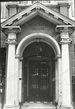 Worcester House No.30 Curzon Street Mayfair London Sold At Auction For A2.7million. The House Was Built For The Marquess Of Bath In 1771.
