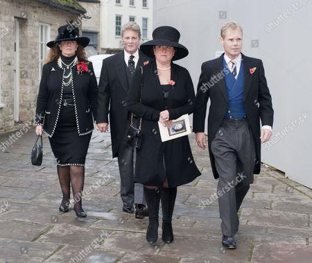 The Earl and Sara Countess of Bathurst, Hon Emma Bathurst and the Hon Alexander Bathurst