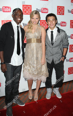 Stock Image of Carlos Knight, Gracie Dzienny, Ryan Potter