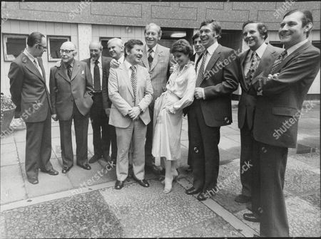 Television Newsreader Past And Present Celebrate 25 Years Of Bbc Tv News. Peter Woods John Snagg Corbet Woodall Bob Langley Colin Doran Kenneth Kendall John Timpson Robert Dougall Angela Rippon Richard Whitmore Richard Baker (order Not Known)