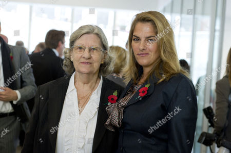 Tracey Emin with her mother Pamela Cashin