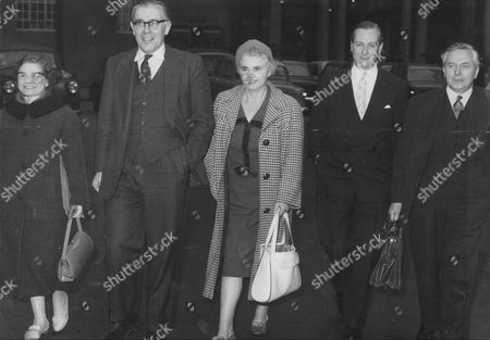 Members Of The Labour Party Executive Leave For Clause 4 Meeting. L-r: Margaret Herbison Richard Crossman Jennie Lee Anthony Greenwood Harold Wilson