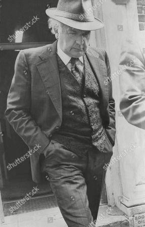 Jess Yates Television Presenter Leaving Divorce Courts Watford 1975.