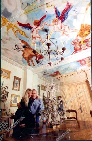 Rory Mccarthy Entrepreneur Member Of Richard Branson's Virgin Challenger Balloon Crew With His Wife Sally Mccarthy In Their Dining Room With Painted Ceiling 1996.