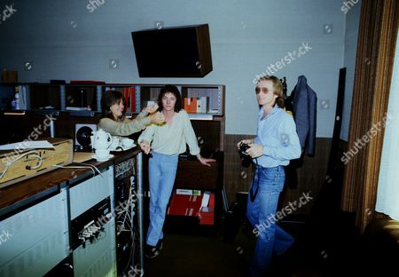Suzi Quatro and Chris Norman of Smokie with producer Mike Chapman in Cologne