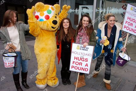Tamaryn Payne, Rachel Shenton, Claire Cooper and Bronagh Waugh with Pudsey the bear