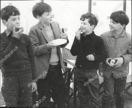 Marquis Of Worcester / Harry Somerset With Harry Fane And Lord Burghersh Sons Of Earl Of Westmorland Eating Cakes 1962.