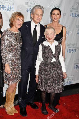 Stock Photo of Nancy Spielberg, Michael Douglas, Catherine Zeta-Jones & Leah Adler