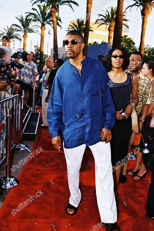 """20000724  Universal City, CA Eriq LaSalle  at the Universal Pictures and Imagine Entertainment World Premiere of """"Nutty Professor II: The Klumps"""" at the Universal Amphitheater in Universal City. Photo®Berliner Studio/BEI  A007151-17"""