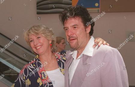 Teri Garr and Robert Pastorelli