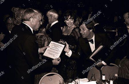 Frank Sinatra, Johnny Carson, Joanna Holland