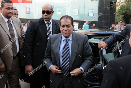 Stock Image of Prime Minister-Designate Kamal Ganzouri arrives at a polling station