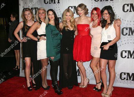 Chelsea Linkes, Brooklyn Goddel, Maisha Wagner Carrilho, Chantelle Paige, Taylor Swift, Charity Baroni, Elizabeth Huett