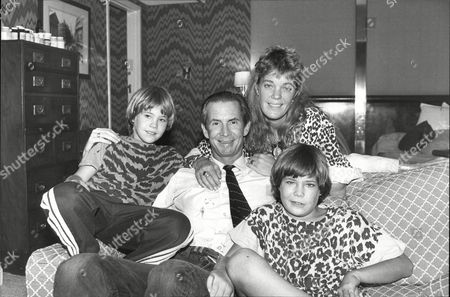 Actor Anthony Perkins With Wife Berry Berensen And Son's Elvis (left) And Osgood (right)