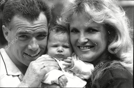 Lyn Paul Singer With The New Seekers With Her New Baby Ryan And Her Husband Alan Young Celebrate Her 40th Birthday