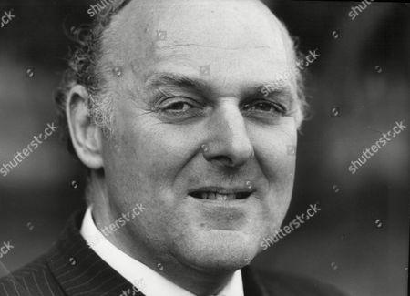 Ian Mccorquodale Son Of Dame Barbara Cartland Chairman Of Debretts
