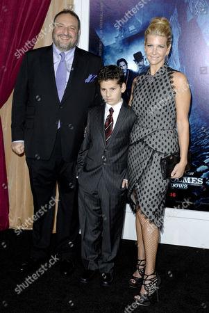 Joel Silver, wife Karyn Fields & son
