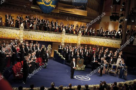 Thomas J Sargent receives the Nobel Prize for Economics from King Carl Gustaf of Sweden