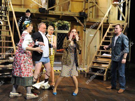 Karl Johnson as Seisdon, Celia Imrie as Dotty, Jonathan Coy as Frederick, Janie Dee as Belinda, Amy Nuttall as Brooke, Robert Glenister as Lloyd