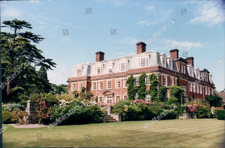 Birch Grove Sussex Former Home Of Prime Minister Harold Macmillan 1993.