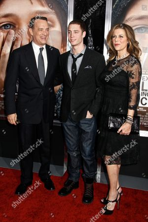 Editorial picture of 'Extremely Loud and Incredibly Close' film premiere, New York, America - 15 Dec 2011