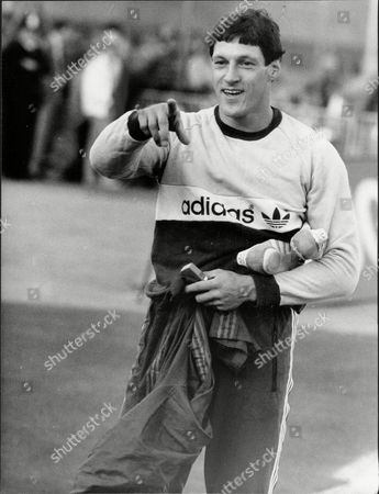 Allan Wells Athlete Pointing And Holding His Running Shows 1984.