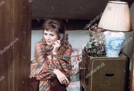 Sarah Badel as Madge Wakely