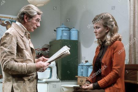 Michael Gough as critic Bill Wakely and Sarah Badel as Madge Wakely