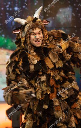 Editorial photo of 'Daybreak' TV Programme, London, Britain. - 21 Dec 2011
