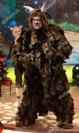 Editorial picture of 'Daybreak' TV Programme, London, Britain. - 21 Dec 2011