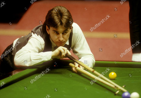 Canadian Kirk Stevens at Embassy World Snooker championships at Sheffield Crucible Theatre