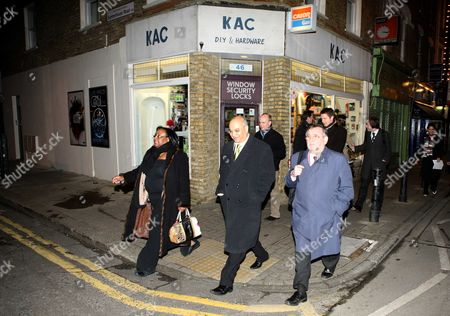Diane Abbott Mp Along With Members Of The Home Office Select Committee Show How Safe Hackney Is On A Late Night Walkabout. Keith Vaz Mp (blue Coat) Karen Buck Mp (blond Hair) And Gwyn Prosser. Picure By: Nigel Howard Email: Nrhpixatyahoo.com Mobile + 44 (0) 7831 235235