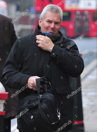 Stock Photo of David Chaytor Arrives At The Old Bailey Today Picture Jeremy Selwyn 03/12/2010