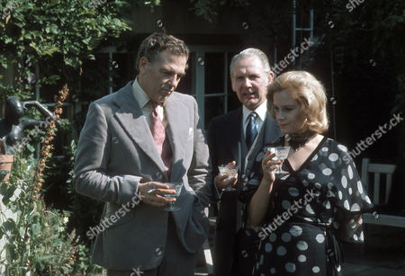 Jack Hedley as Gerald, Gerald Sim as Julian Burroughs and Mary Ure as Jane Burroughs