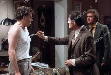 Jack Hedley as Gerald, Robert Shaw as Giles and Tony Selby as Crawford