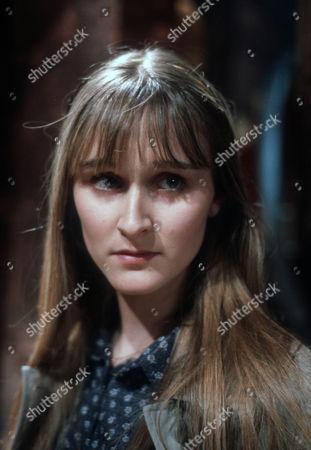 Rebecca Saire as Theresa Nolan