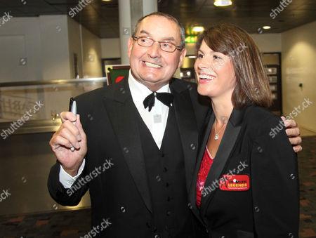 Referee Michaela Tabb with Ray Reardon