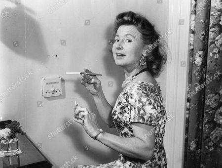Molly Weir Actress With Cigarette In Holder 1958.