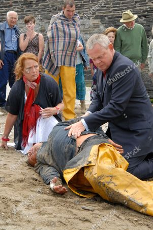 Louise Jameson as Eleanor Glasson, John Duttine as Paul Hale and Martin Clunes as Dr Martin Ellingham