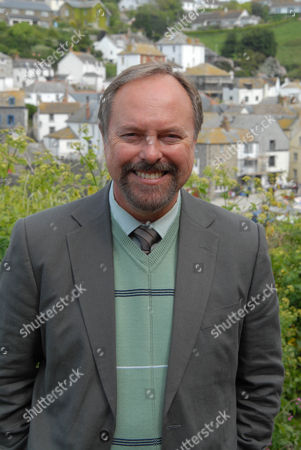 Stock Photo of Robert Daws as Gavin Dibbs