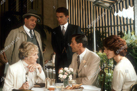Erwin Steinhauer as Inspector Zaunert, Elisabeth Epp as Helene von der Leyen, Simon Williams as Sir Anthony Rose and Cecile Nordegg as Marie von Lewis