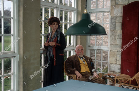 Nanette Newman as Nancy Ryder and Lionel Jeffries as Charles Ryder