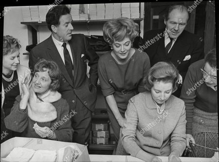 Members Of The Stars Organisation For The Spastics Society At The Headquarters. They Were Helping The Distribution Of The Christmas Seals To Be Sent All Over The Country To Help Raise Funds. Pictured Are Hattie Jacques Muriel Pavlow Brian Rix Hi Hazel Vera Lynn And John Horsley