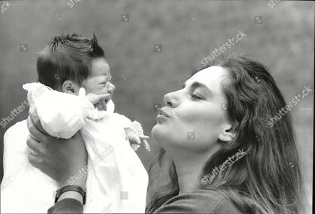 Model Michelle First With Her New Baby Daughter Henrietta She Is Married To Laurence Ronson The Brother Of Heron Property Tycoon Gerald Ronson