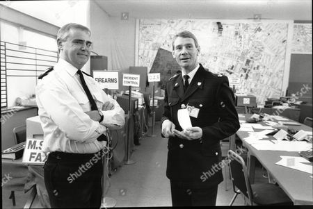 Stock Photo of Conservative Party Conference Security In Brighton 1988 Chief Super David Tomlinson (left) And Superintendent Frank Hooper In Police Control Room