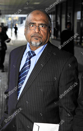 Father Abul Azad. Trial Of Abul And Ashraf Azad Charged With Threats To Kill Abul's Daughter Afshan Azad A Child Actress On The Harry Potter Movies.-