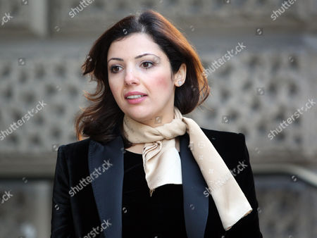 Asil Nadir's Wife Nur Nadir Leaves At The Old Bailey London During The Lunch Recess  20.12.10